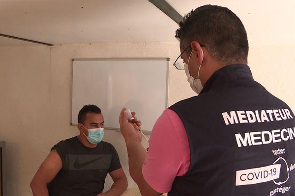 Vaccination au centre de l'association SEPT
