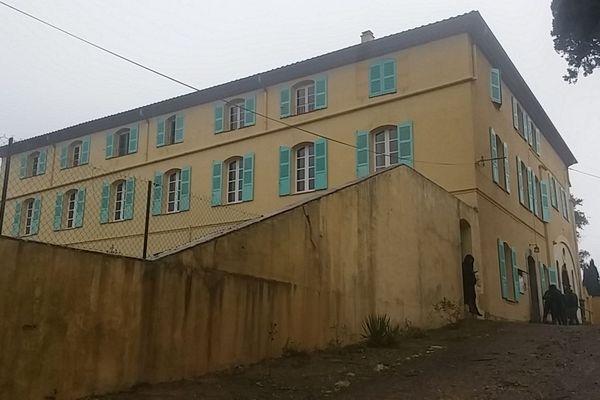 Monastère st Jean de La Croix - Saint Désert à Roquebrune sur Argens ce mardi matin