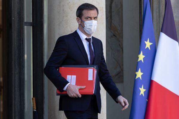 Olivier Véran, ministre de la Santé donne une conférence de presse ce jeudi 25 mars. De nouvelles mesures vont concerner trois département, la Nièvre, l'Aube et le Rhône.