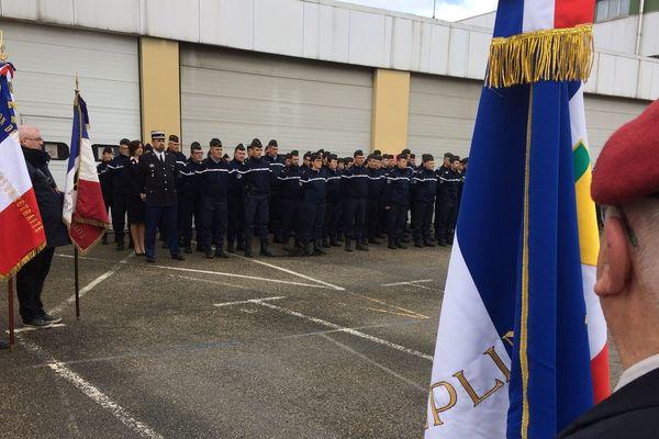 Hommage à Arnaud Beltrame à la gendarmerie de Saint-Etienne