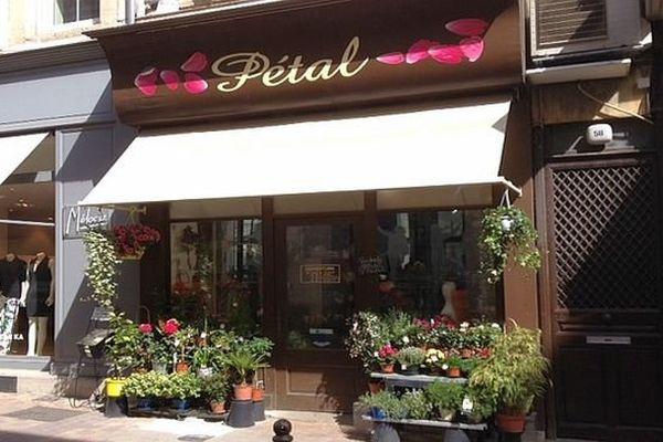 Carcassonne - l'agression de la fleuriste a eu lieu, jeudi soir, devant sa boutique - 17 avril 2014.