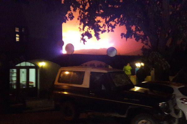 L'incendie est au dessus du village de Sisco.