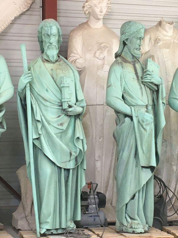Après 160 ans sur les toits de Paris, les statues avaient besoin d'une rénovation salvatrice