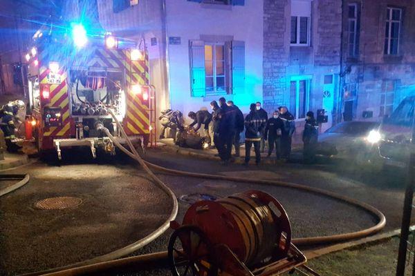 Pompiers et GIGN étaient présents sur place à Joinville.