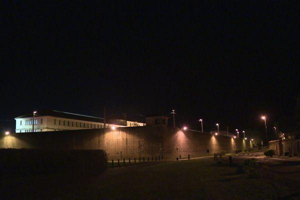 Les équipes régionales de sécurité d'intervention sont arrivées vers 22 heures ce jeudi au centre pénitentiaire de Saint-Martin-de-Ré