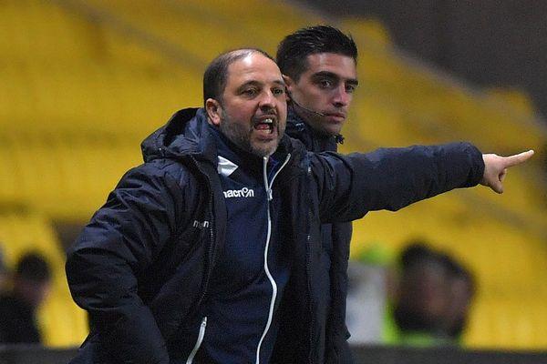 L'entraîneur de l'AJ Auxerre, Pablo Correa, lors d'un match contre Nantes, le 23 janvier 2018.