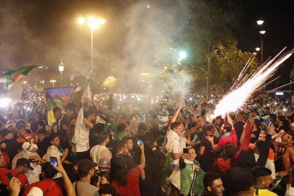 Des scènes de liesses ont eu lieu sur les Champs-Elysées après la qualification de l'Algérie en finale de la CAN.