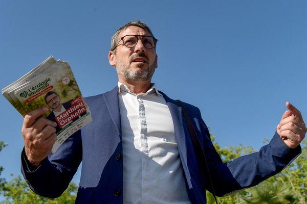 Le candidat écologiste Matthieu Orphelin en campagne à la Roche-sur-Yon le 15 juin 2021.