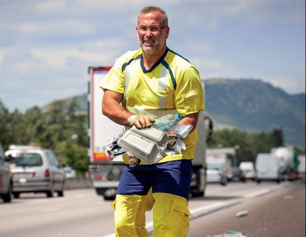 1 Français sur 3 jette ses déchets par la fenêtre de sa voiture sur l'autoroute