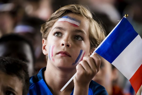 Un jeune supporter de l'équipe de France
