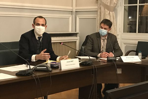Joseph Zimet (à gauche) accompagné de Damien Real, délégué territorial de l'Agence régional de santé en Haute-Marne