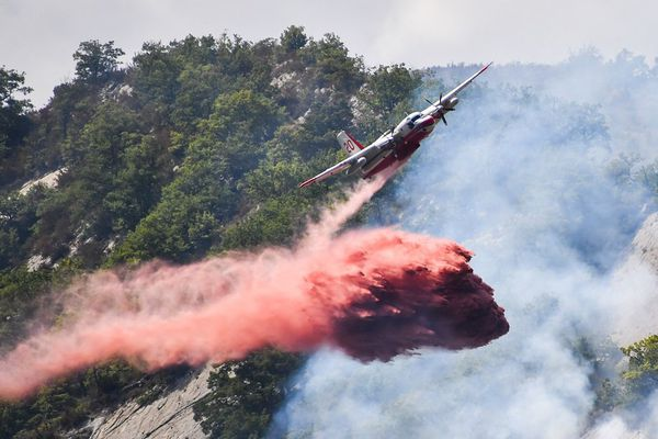ILLUSTRATION d'un largage de retardant
