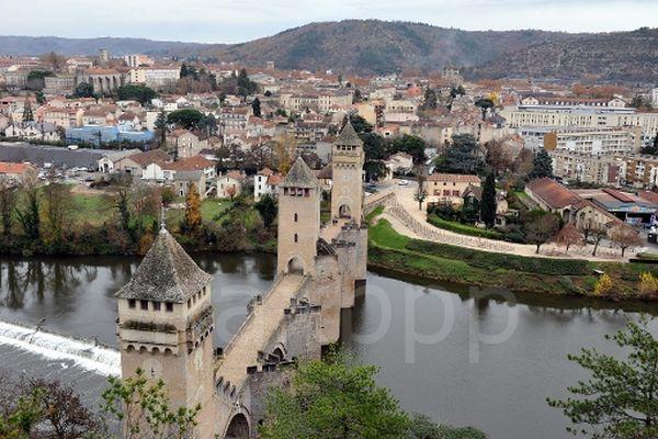 Cahors (Lot) - le Pont Valentré - archives