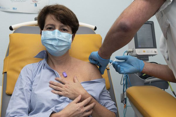 Cécile Jagin, la directrice du CHU d'Angers a également été vaccinée.