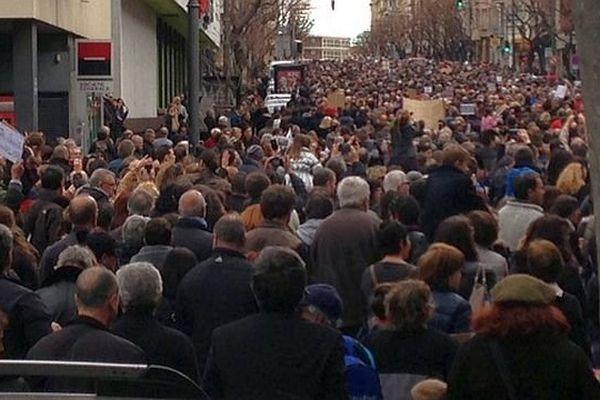 Perpignan - le cortège dans le centre ville - 11 janvier 2015.