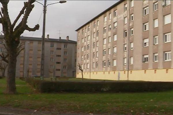 Les migrants se sont installés dans cet immeuble du quartier Laffond.