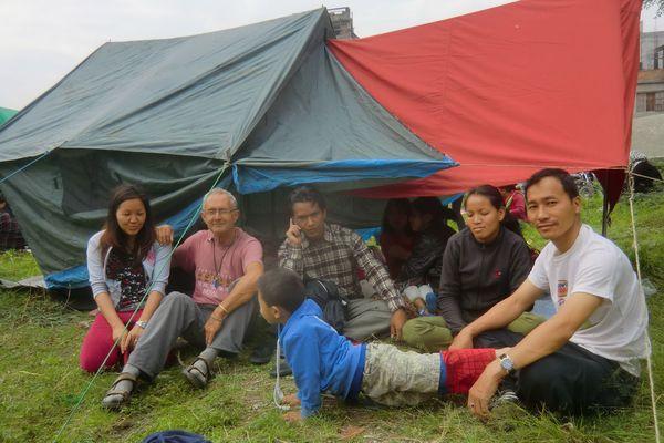 Alain Latapie et ses amis népalais