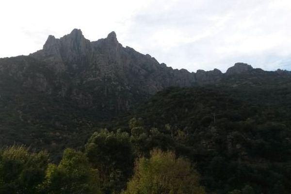 ILLUSTRATION - Ciel nuageux en Corse.