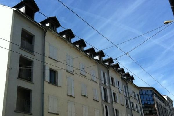 C'est au 41 rue turgot, en plein de centre de Limoges, que la séquestration aurait eu lieu. Au dernier étage de cet immeuble, tout à gauche du bâtiment.