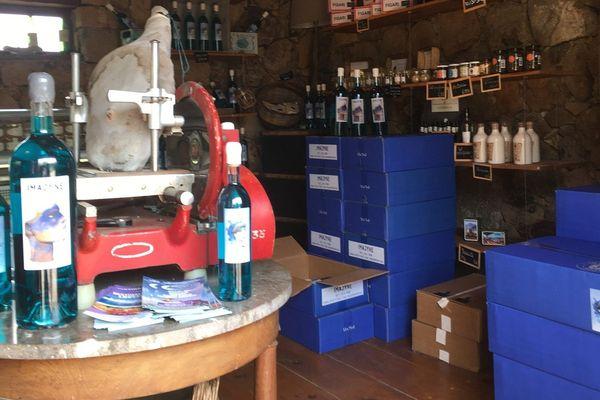 Le vin bleu Imajyne produit en Corse