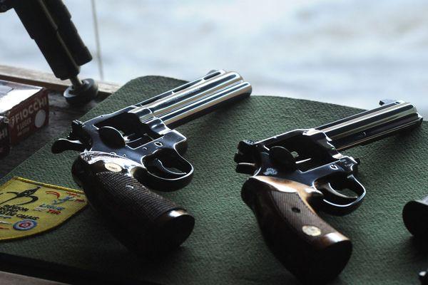 Selon le ministère de l'Intérieur, presque 5 millions d'armes sont enregistrées en métropole