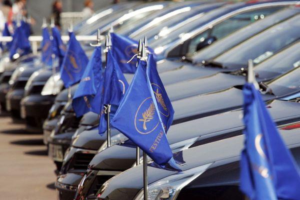 Les voitures officielles seront à 60% hybrides ou électriques pour cette édition.