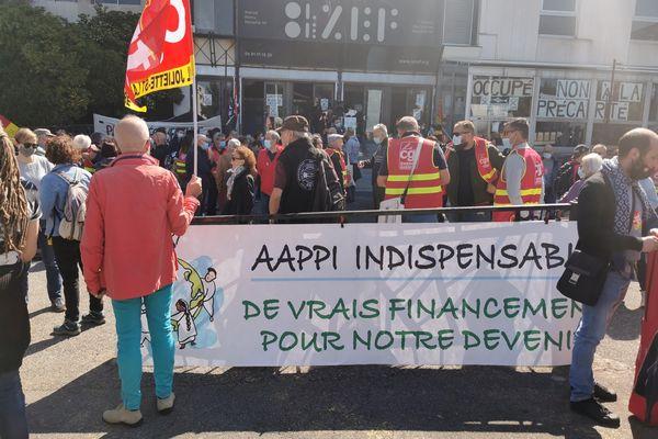 Manifestation des syndicats de l'UD CGT 13 devant le théâtre du Merlan pour demander le retrait de la réforme de l'assurance chômage, vendredi 23 avril 2021.