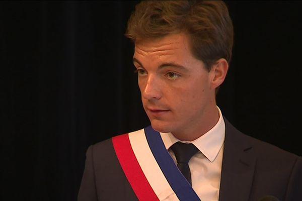 Le maire d'Hesdin, dans le Pas-de-Calais, de 2014 à 2019.