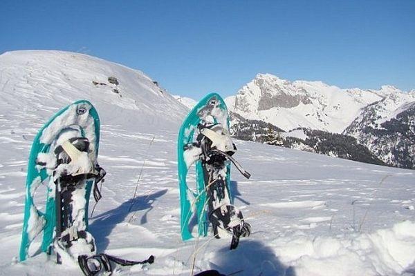 Les raquettes à neige, une approche de la montagne