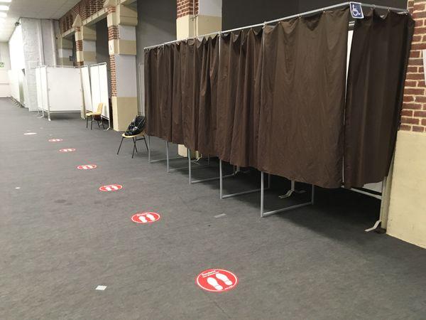 Certains bureaux de votes presque vides, comme ici à Eu.