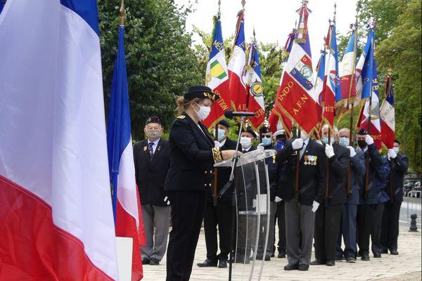 Régine Leduc, sous-préfète du Cher, a présidé ce vendredi 25 septembre 2020 à Bourges la cérémonie rendant hommage aux Harkis et autres membres des formations supplétives