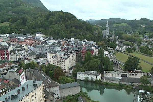 A Lourdes, la crise sanitaire est venue aggraver encore une situation fragile.