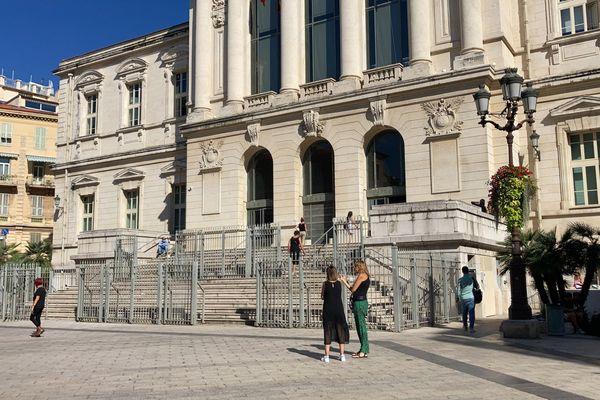 Le supporter est jugé ce mercredi 13 octobre au tribunal de Nice. Images d'archives.