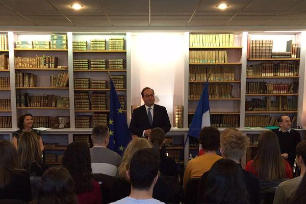 François Hollande à la rencontre des lycéens de Poincaré à Nancy