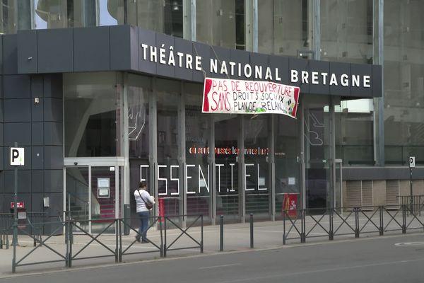 Après l'opéra, les artistes et techniciens du spectacle occupent le Théâtre national de Bretagne à Rennes depuis ce 6 avril.