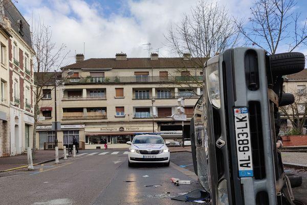 Les dégâts ont été importants à Creil après le passage de la manifestation des lycéens le 10 décembre 2018