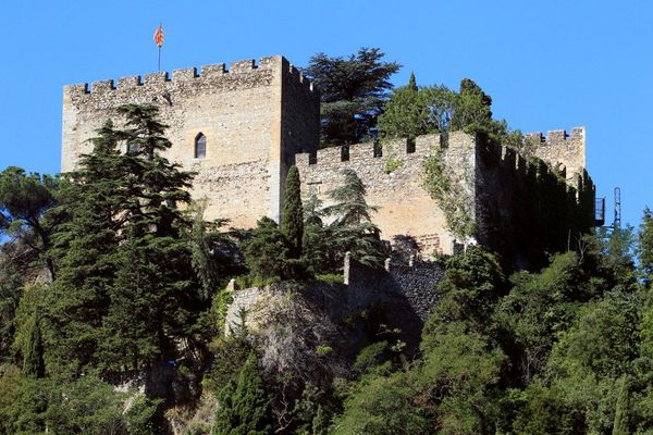 Le château de Castelnou, dans les Pyrénées-Orientales.