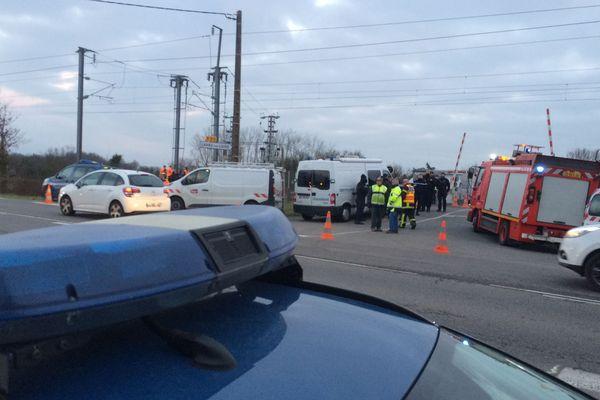 Un automobiliste a trouvé la mort dans une collision entre son véhicule et un TER, sur la commune de Donges (Loire-Atlantique).