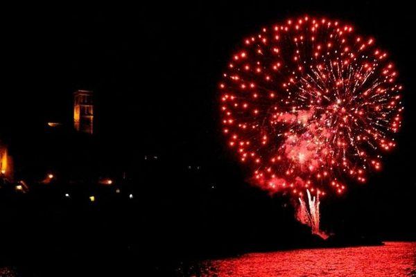14/07/14 - Le feu d'artifice vue de la mer au large de la citadelle de Bastia
