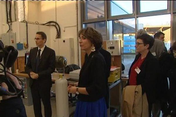 La ministre de la santé Marisol Touraine en déplacement au CEA du Ripault à Monts (Indre-et-Loire) - 29 novembre 2016