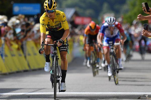 Primoz Roglic, maillot jaune du Critérium du Dauphiné, a annoncé abandonner à la suite d'une chute.