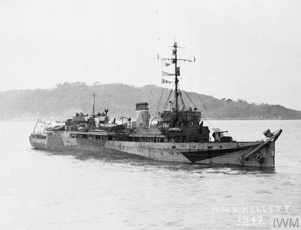Le HMS Kellett photographié en 1942. C'est à bord de ce navire que le soldat français Langlart quitta Dunkerque depuis la jetée Est, le 2 juin 1940.