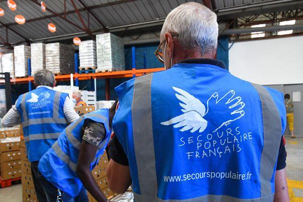 Des bénévoles du Secours populaire à Perpignan le 25 mai, image d'illustration.
