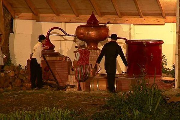 A Bourg-Charente, 130 bénévoles travaillent à la réalisation du spectacle son et lumière retraçant l'histoire du Cognac.