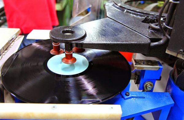 15 millions de vinyle sont pressés à MPO chaque année