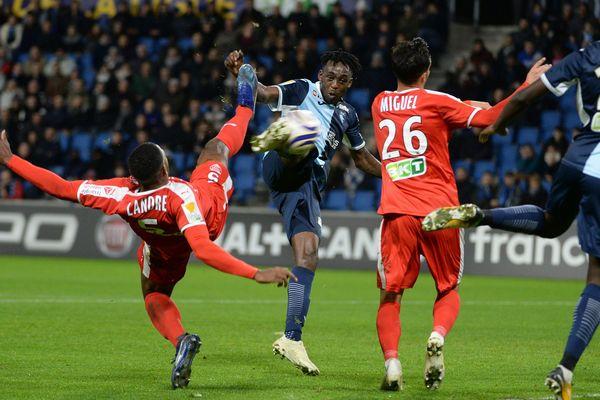 Le Havre, équipe de ligue 2 a sorti Nîmesde la coupe de la ligue.