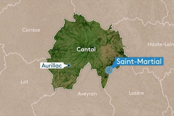 A Saint-Martial, dans le Cantal, un enfant de 6 ans est tombé d'une voiture qui roulait à faible allure. Il voulait ramasser son jouet tombé sur la route.