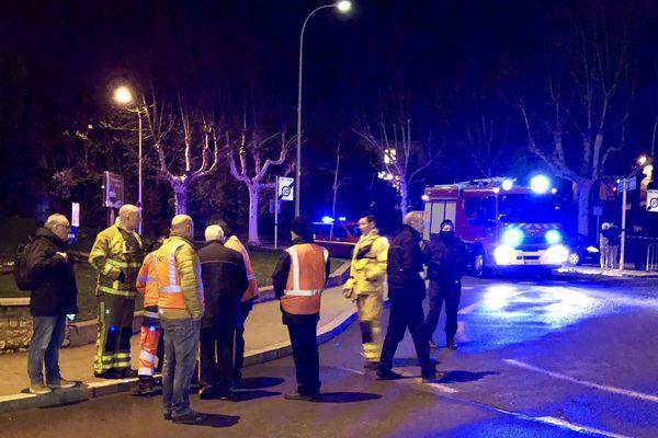 Le TER en direction de Lyon a été évacué à 22h. Image de notre journaliste Damien Boutillet