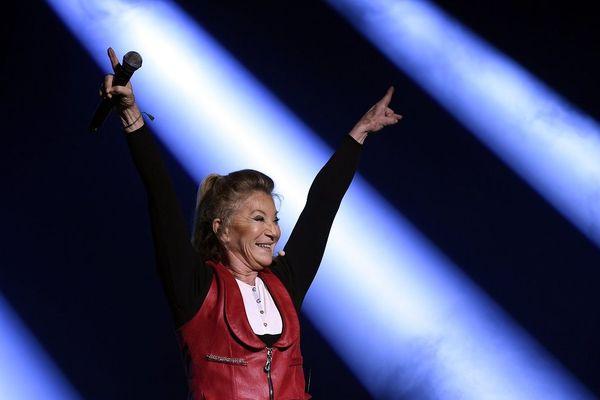"""A l'occasion de la sortie de son nouveau titre et de l'enregistrement de son émission """"Génération Sheila"""", la chanteuse, dont la famille est originare du Cantal, replonge dans ses souvenirs."""
