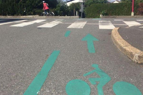 Piste cyclable à Rennes.